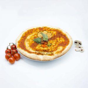 base de pizza con tomate